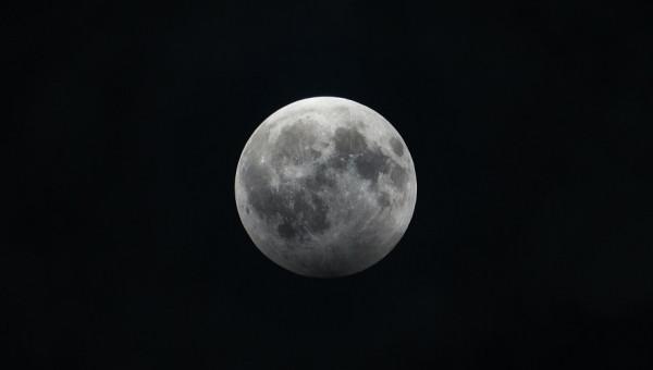 Eclipse penumbral da Lua: fenômeno astronômico acontece neste domingo