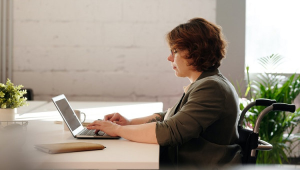 PUCRS facilita qualificação profissional de 14,3 mil servidores municipais