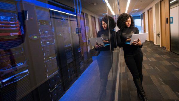 Universidade apoia ação de empresas de TI para potencializar a economia