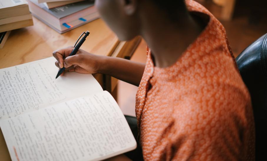 35 anos da Oficina de Criação Literária: inscreva-se para a turma de 2021