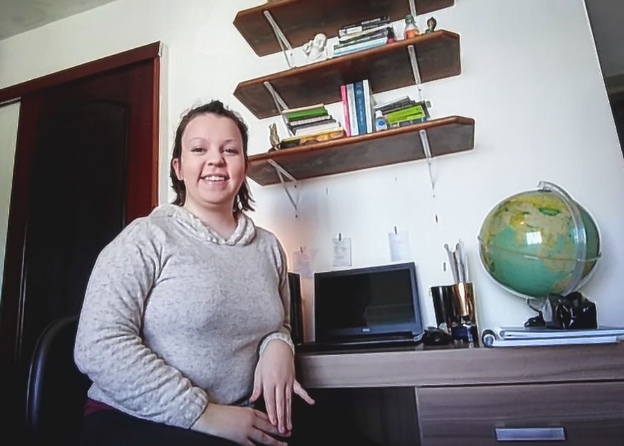 Manoela, aluna da Escrita Criativa, fala sobre adaptação às aulas online