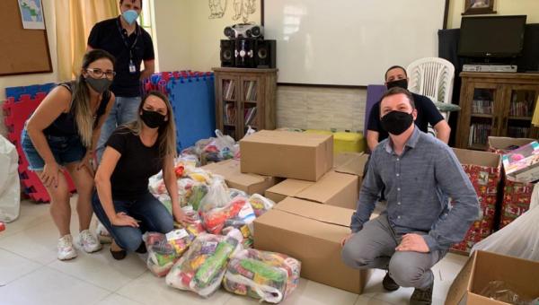 Em um mês, Campanha Solidária de Natal arrecadou 880 kg de alimentos