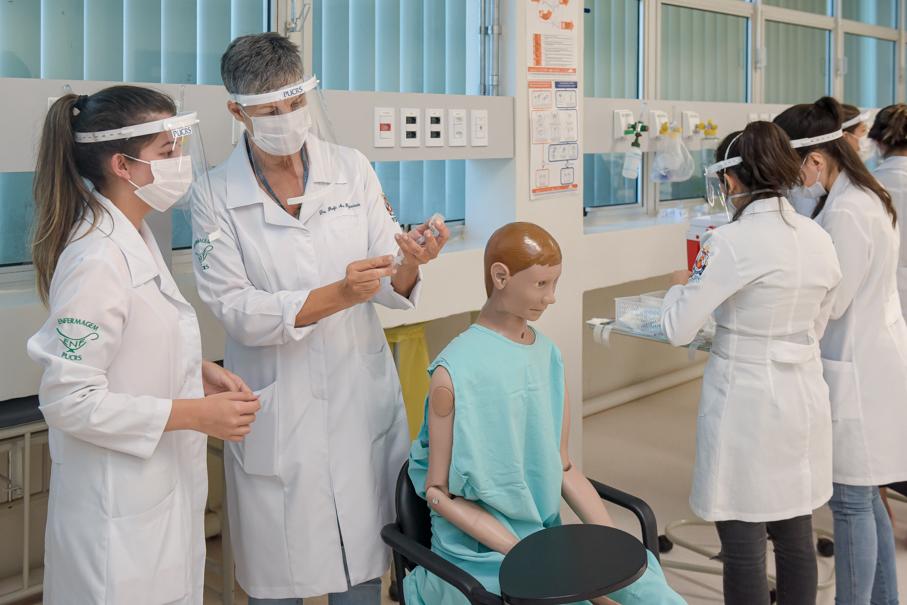 Estudantes da Escola de Ciências da Saúde e da Vida participam de treinamento para integrar a campanha de vacinação da Secretaria Municipal de Saúde, Enfermagem, Vacina, Coronavírus