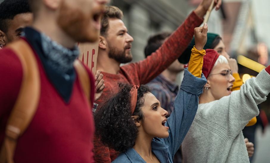 Publicação internacional discute a crescente tensão social e o respeito à diversidade