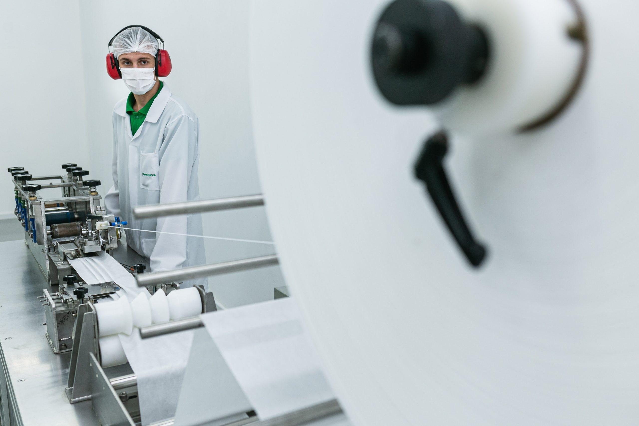Bioelegance conta com maquinário próprio para a produção das máscaras de proteção