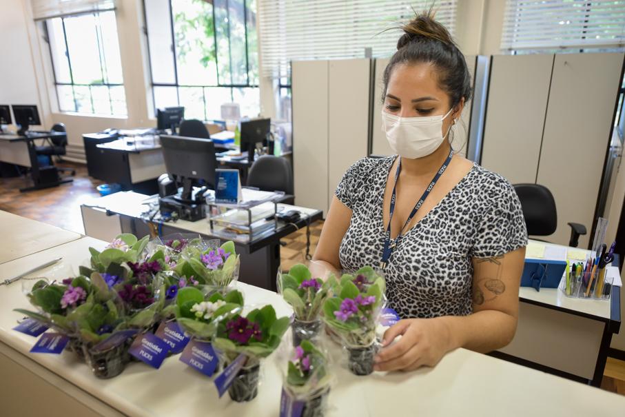 Carinho: homenagem a profissionais que atuam nos serviços essenciais do Campus