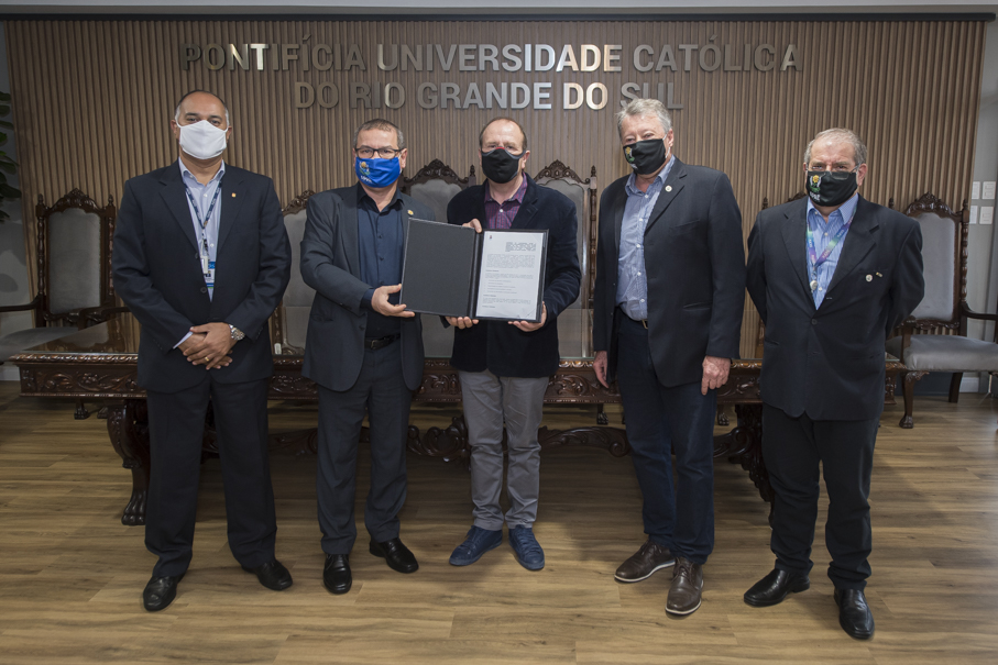Termo de cooperação com a APAE Porto Alegre prevê projetos conjuntos de pesquisa