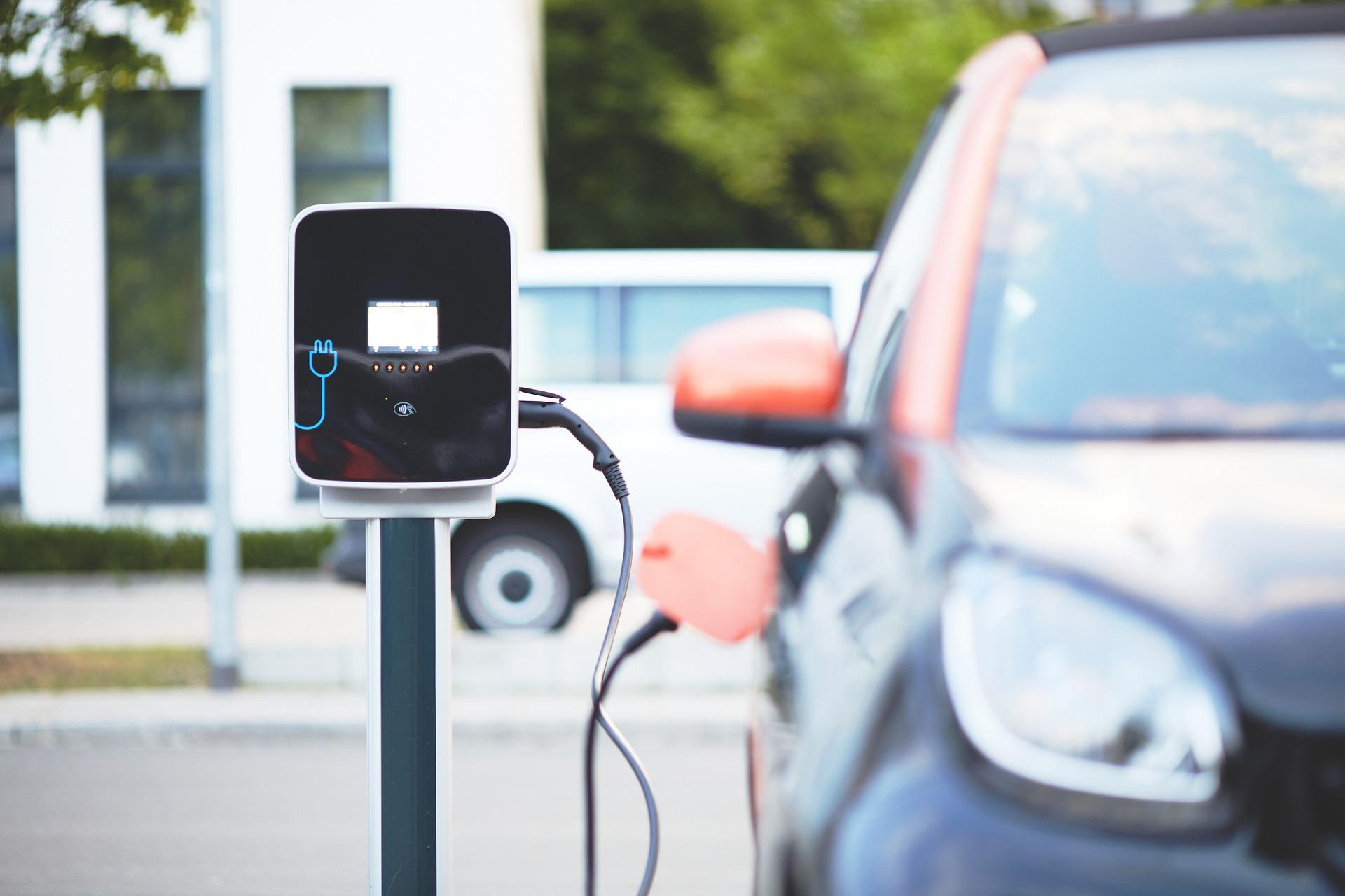 PUCRS integra primeiro laboratório para testes de baterias de carros elétricos do País