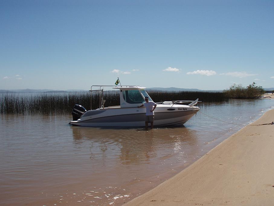 Instituto do Meio Ambiente lança livro sobre a distribuição de peixes e invertebrados no lago Guaíba