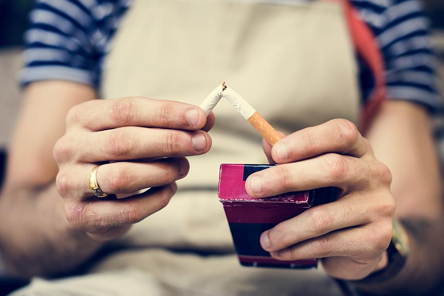 Estudantes da área da saúdeatuam emgrupo de combate ao tabagismo